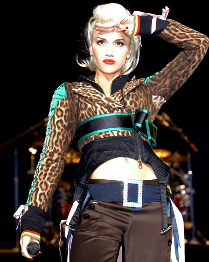 13 Gwen Stefani Performing A