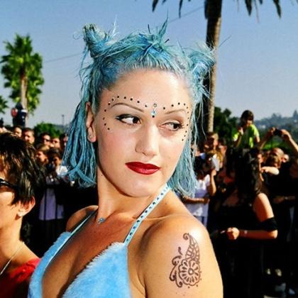 7 Gwen Stefani Blue Hair