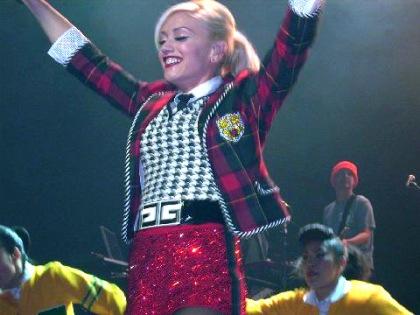 9 Gwen Stefani Performing C