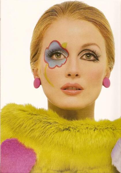 julianne-moore-as-twiggy